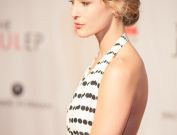 The Julep Linsey Godfrey Red Carpet Photos